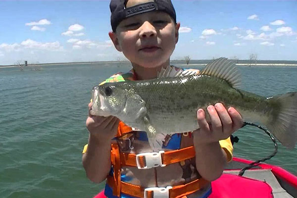 Follow These Super Easy Steps to Teach Your Kid to Fish!